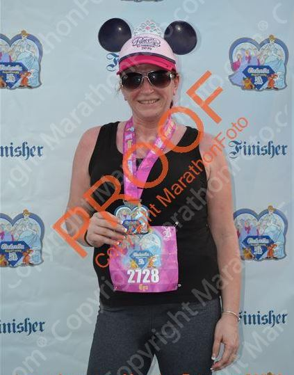 FINISHER and her medal ♥♥♥